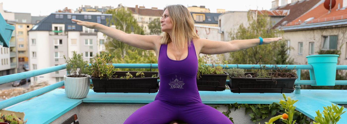Verena Yoga Warrior 2 Arms