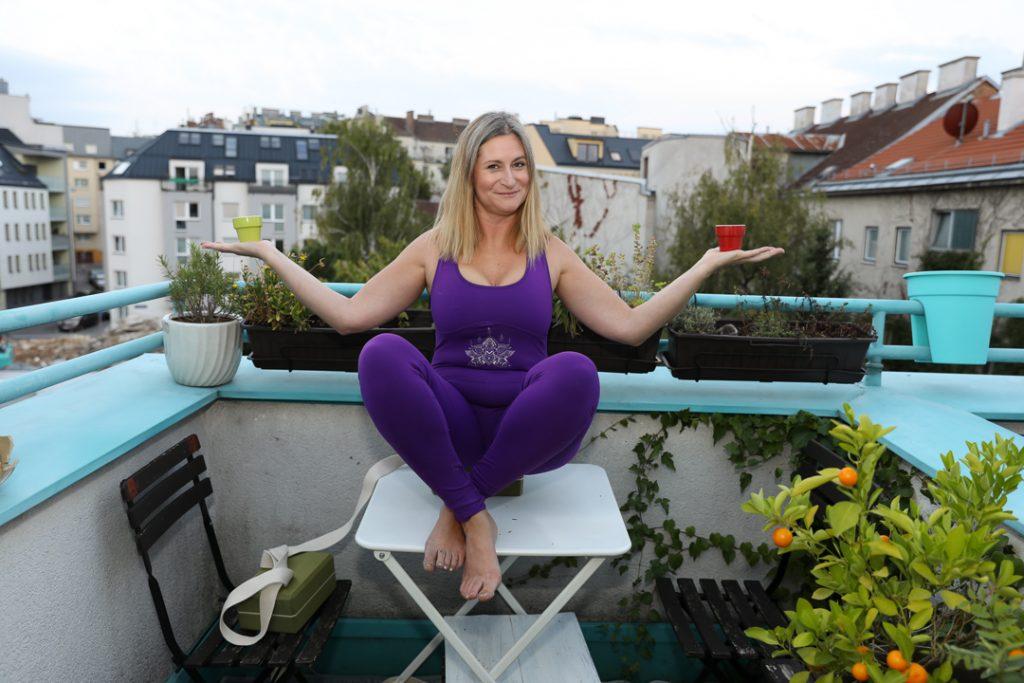 Verena, Yoga, Kaffee, Willkommen